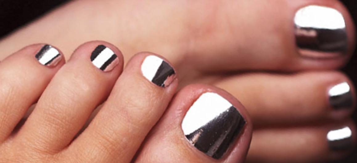 toenail polish application